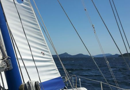 reefed head sail